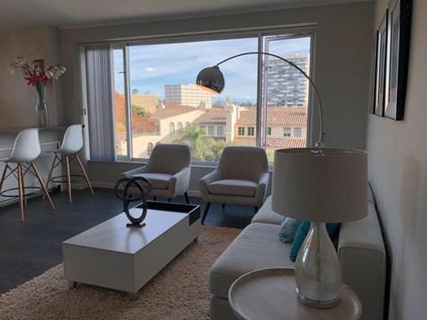 living room l Ryan Tower Apartments in San Mateo CA