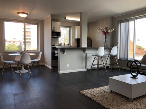 living and kitchen l Ryan Tower Apartments in San Mateo CA