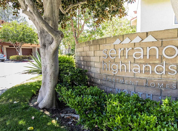 Serrano Highlands Apartments | Apartments in Lake Forest | Sign