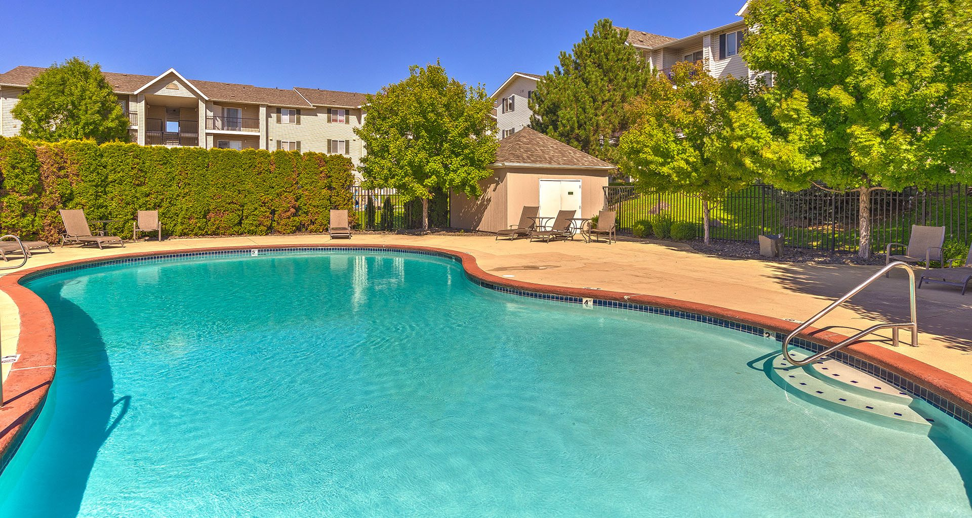 Swimming Pool | Silver Creek Apartment Homes in Pasco, WA