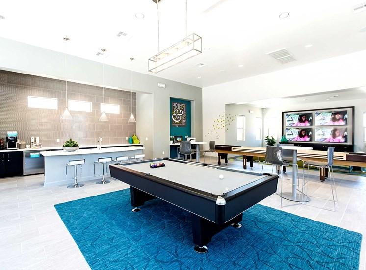 Solana Apartments |Pool Table