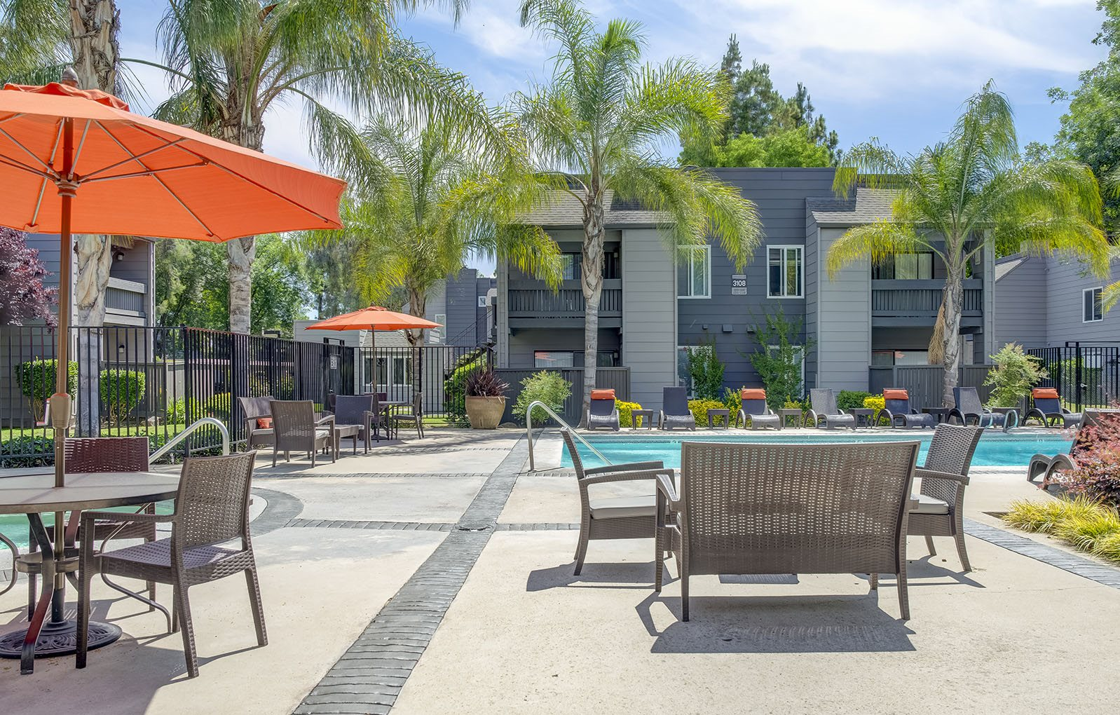 Poolside Lounge and Tables | at Stoneybrook Apartments | Modesto, CA