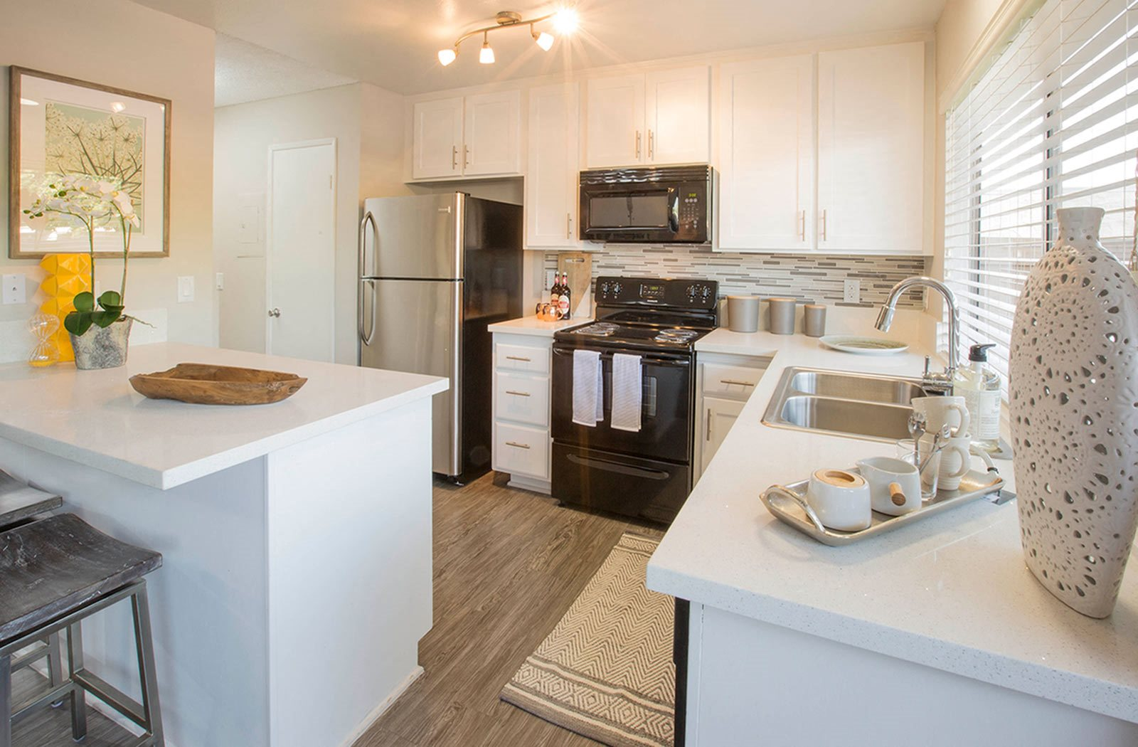 West Covina CA Apartments for Rent - Twelve31 Apartments Kitchen