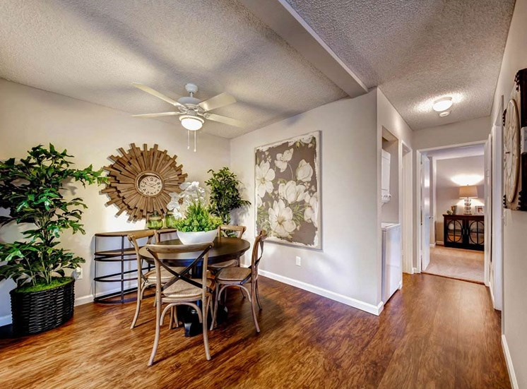Dining | Sycamore Greens Apartment Homes