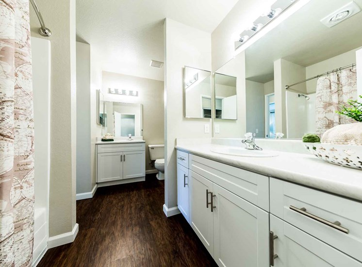 Bathroom | Sycamore Greens Apartment Homes
