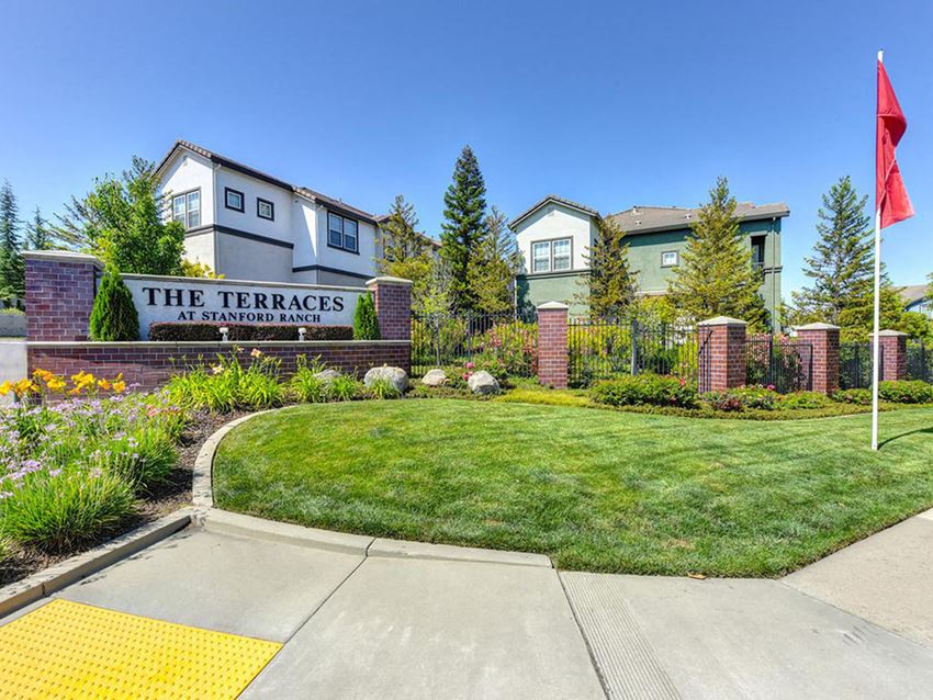 Apartments in Rocklin, CA - The Terraces at Standford Ranch Entrance