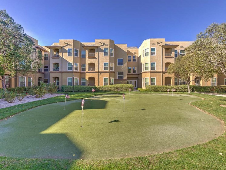 Putting Green  l Vintage at Bouquet Canyon Senior Apartments