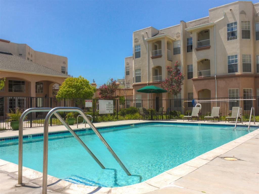 Bon Apartments In Santa Clarita, CA | Bouquet Canyon Senior Apartments