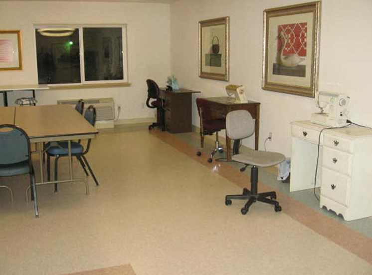 Craft Room Burien, WA 98168 l Vintage at Burien Senior Apartments For rent