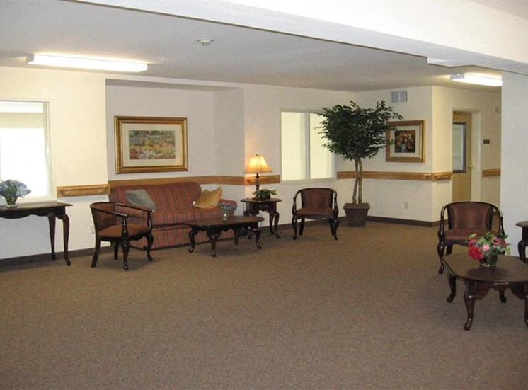 Social Room Burien, WA 98168 l Vintage at Burien Senior Apt Rentals