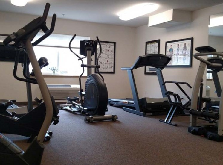 Gym Burien, WA 1 and 2 bedrooms l Vintage at Burien Senior Apartments