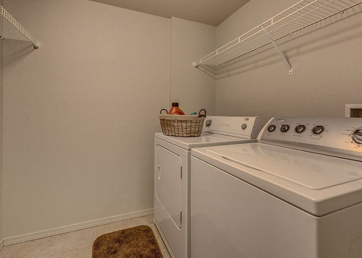 Washer and Dryer Laughlin, NV 89029 l Vista Creek Apts for rent