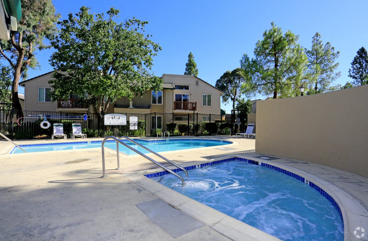 Baywoods Apartments | Spa
