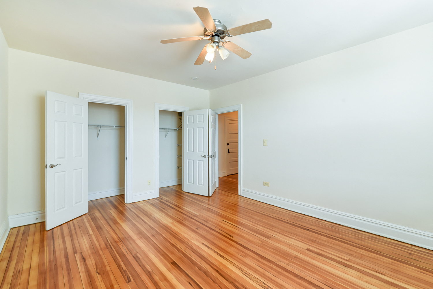 2701-Connecticut -Avenue-Bedroom-Closets