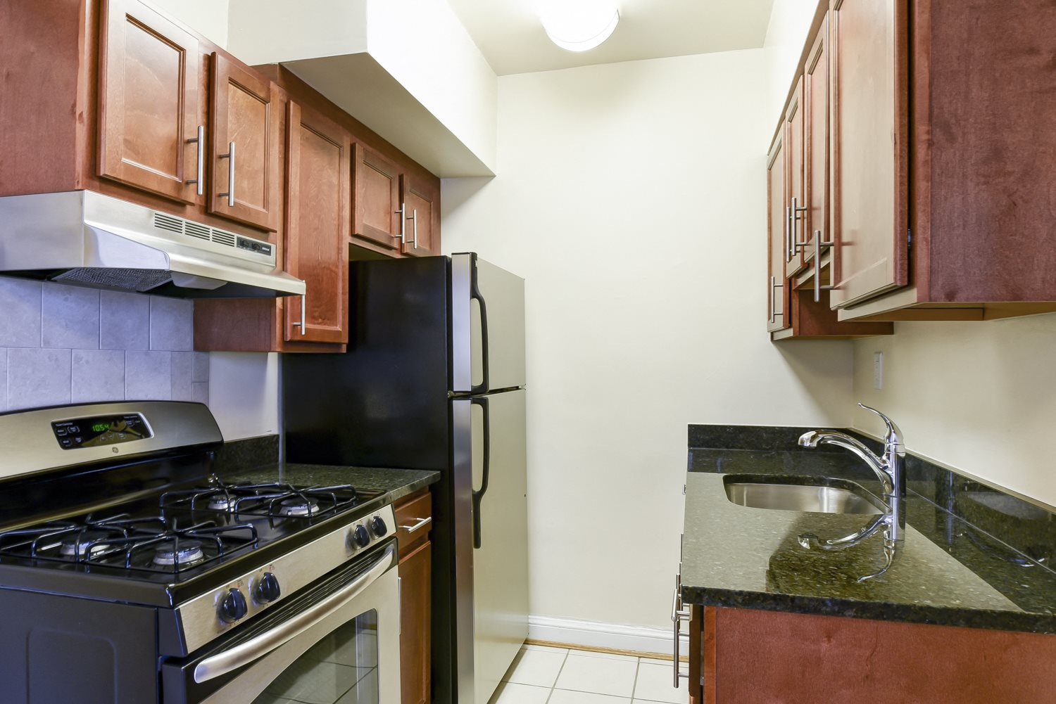 Sherry-Hall-Apartments-Kitchen