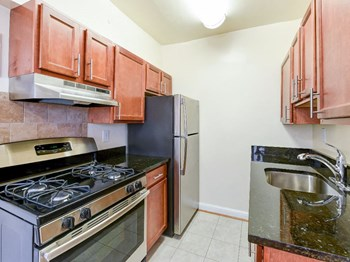 2702 Wisconsin Ave NW Studio-1 Bed Apartment for Rent Photo Gallery 1
