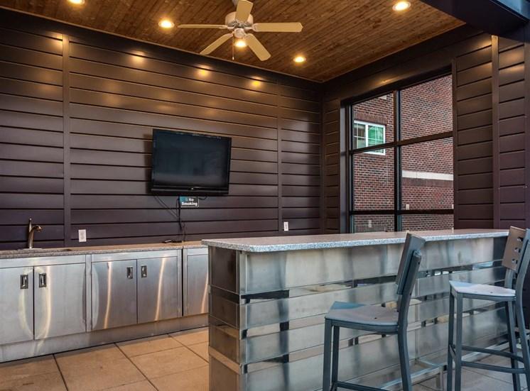 Breakfast Bar-Dining Room at Greenway at Fisher Park, Greensboro