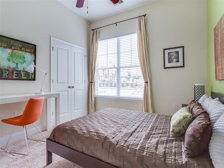 Beautiful Bright Bedroom at Greenway at Stadium Park, Greensboro, 27401