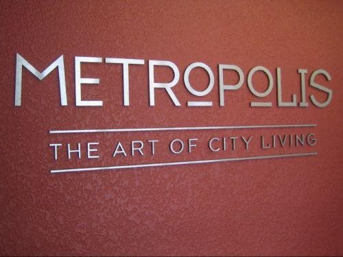 Metropolis - The Art of City Living