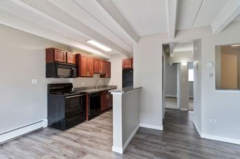 1140 & 1160 South Bellaire Street Studio-1 Bed Apartment for Rent Photo Gallery 1