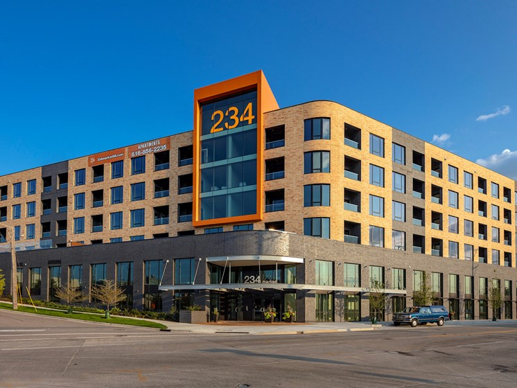 Apartments-Grand-Rapids-Downtown-234-Market-001