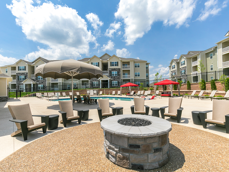Outdoor Fire Pit at Aventura at Maryland Oaks, St. Louis