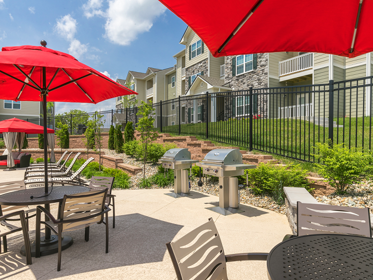 BBQ Grills at Aventura at Maryland Oaks, Missouri