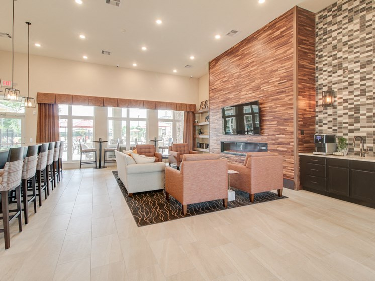 Clubhouse with TV, Fireplace, and Kitchen at The Edison at Peytona, Gallatin, TN,37066
