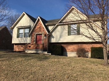 1004 SE Dover Dr 4 Beds House for Rent Photo Gallery 1