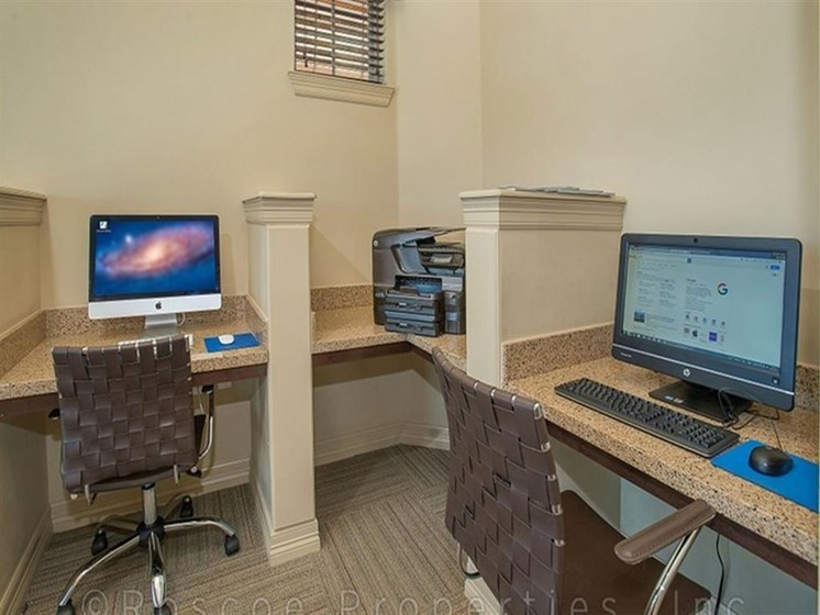 Cyber Cafe with High Speed Internet and Printer Facility at Madrone, Austin, TX
