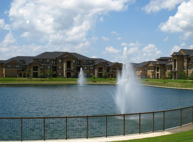Lake with Fountains at Falls at Copper Lake, Houston