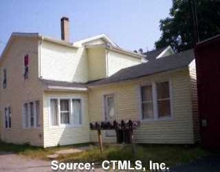 135-139 Chestnut Street 2 Beds Apartment for Rent Photo Gallery 1