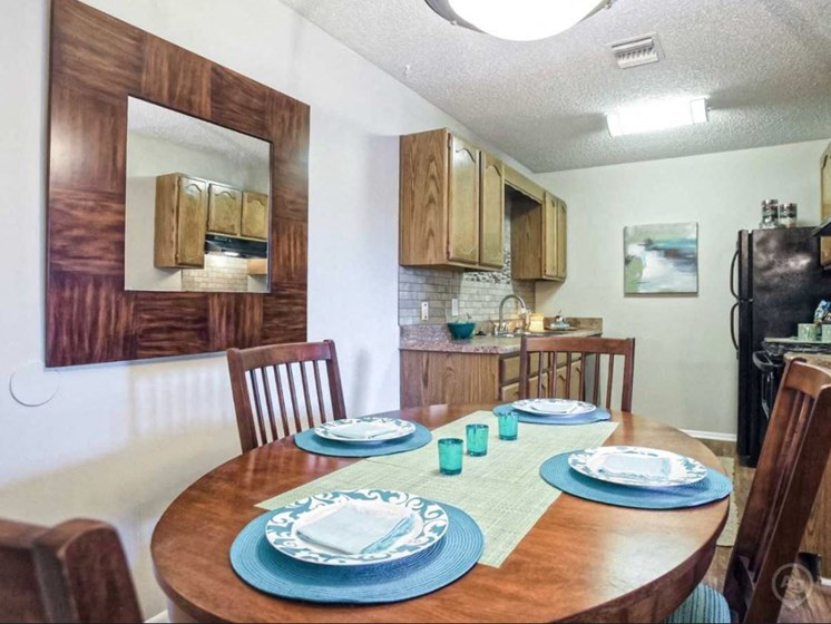 Apartments in Witchita Dining room