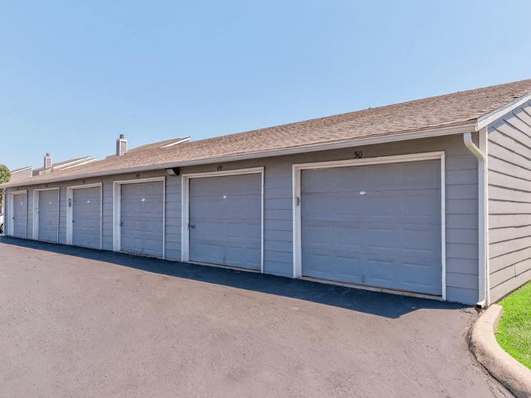 garages at apartment community