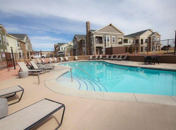 pool luxury apartments in castle rock