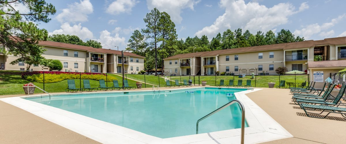 High Country Apartments pool Tuscaloosa, AL