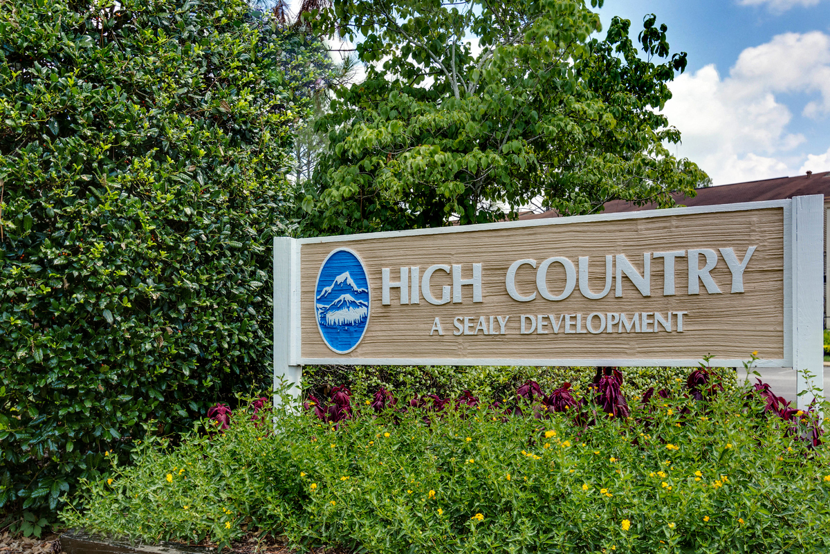 Charmant Welcome To High Country Apartments!