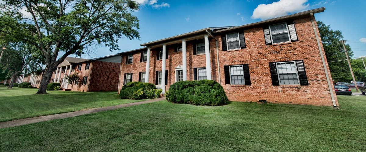 Waterford square apartment homes apartments in huntsville al for 3 bedroom apartments huntsville al