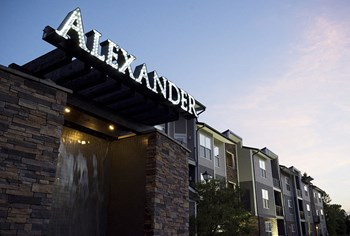 747 Worthington Woods Blvd. 1-2 Beds Apartment for Rent Photo Gallery 1