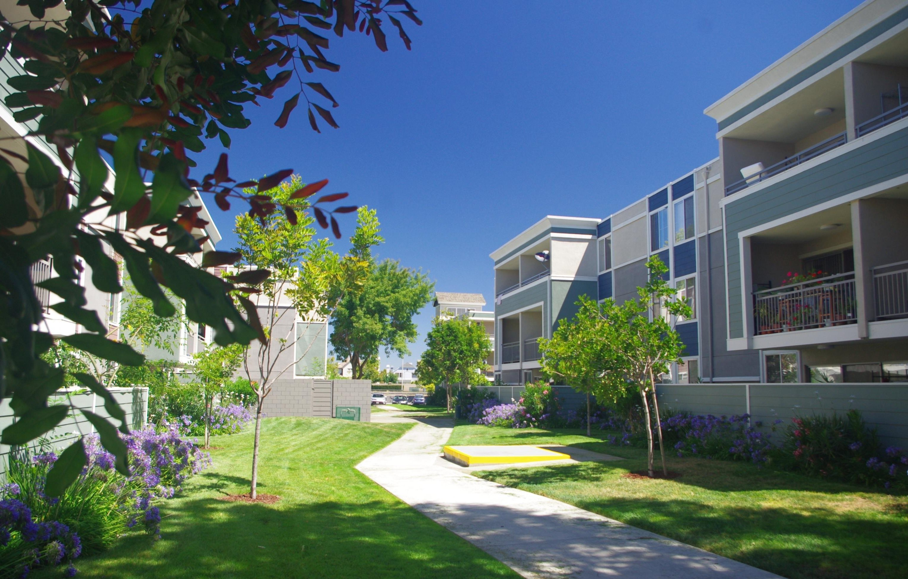 Summer House | Apartments in Alameda, CA