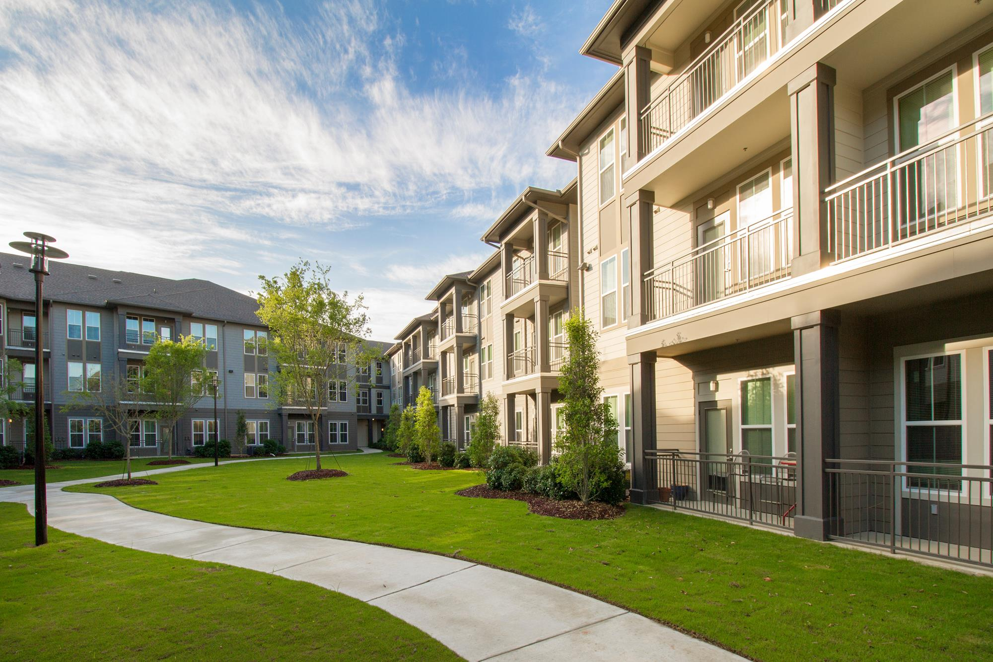 Comfortable Apartments with Thoughtful Amenities at The District, Baton Rouge, LA