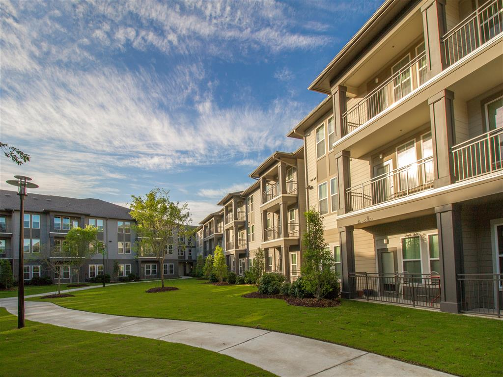 Beautiful Landscaping and Park-like Setting at The District, Baton Rouge, LA 70808