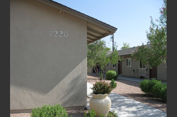 Belleview of Scottsdale Apartments, 7220 E Belleview Street
