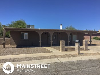 2223 E Iowa St 4 Beds House for Rent Photo Gallery 1