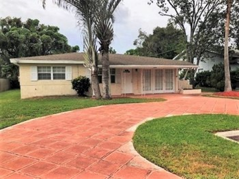 3302 Cambridge Dr 2 Beds House for Rent Photo Gallery 1