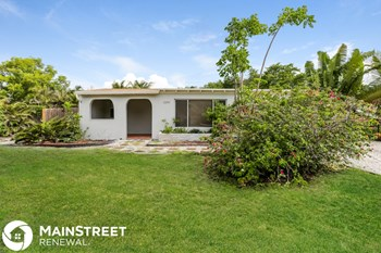 2200 SW 5th St 3 Beds House for Rent Photo Gallery 1