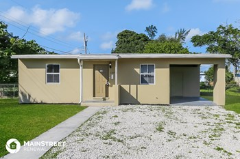 1207 NW 13Th Ln 3 Beds House for Rent Photo Gallery 1