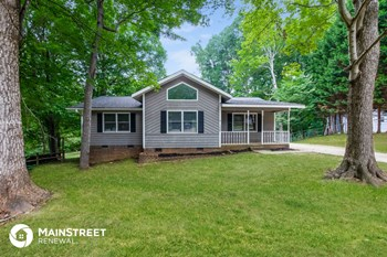 100 New Hampshire Rd 3 Beds House for Rent Photo Gallery 1