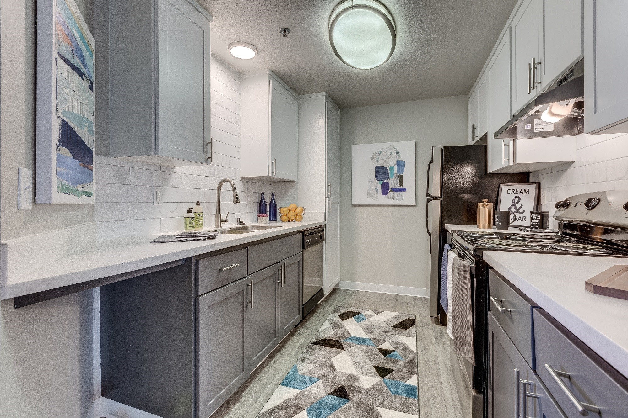 Newly Renovated Apartments in Kent Washington - Skyview 3322 Apartments Kitchen