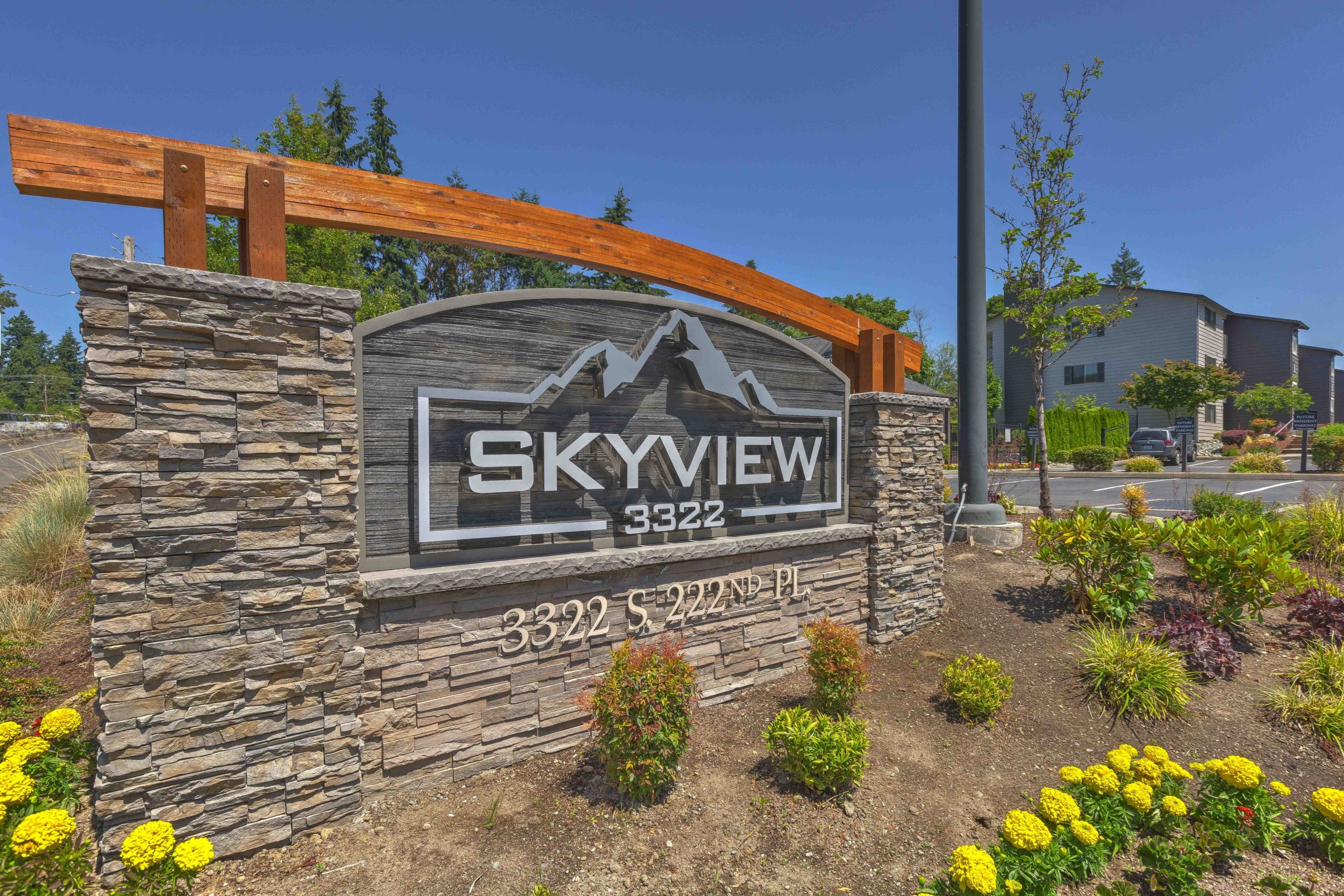 Kent Washington Apartments - Skyview 3322 Apartments Monument Sign